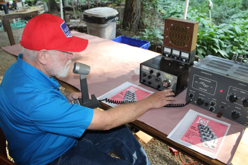 Lynn, K5LYN, transceiving with a Drake R-4B and a Central Electronics 10A.