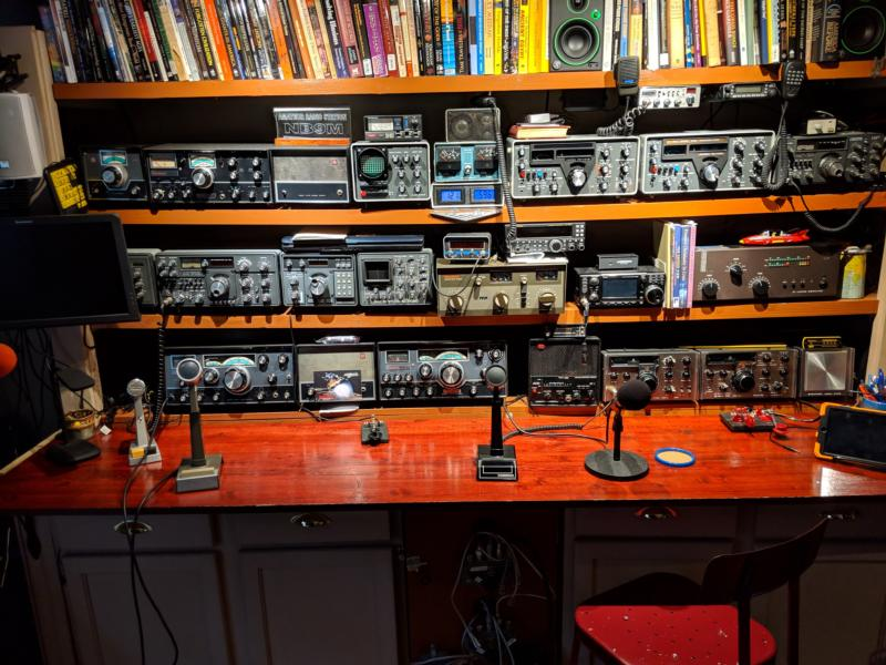 BCB-UHF Ham and SWL.  Equipment in constant rotation (August 30, 2019)